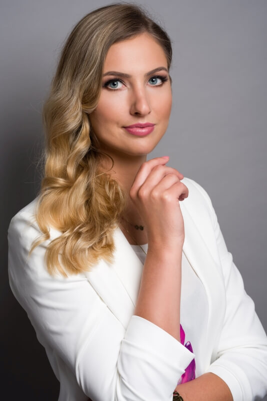Fotografia biznesowa z której skorzystała Joanna Białecka w Studio Strefa Stylizacji Łukasz Jarek