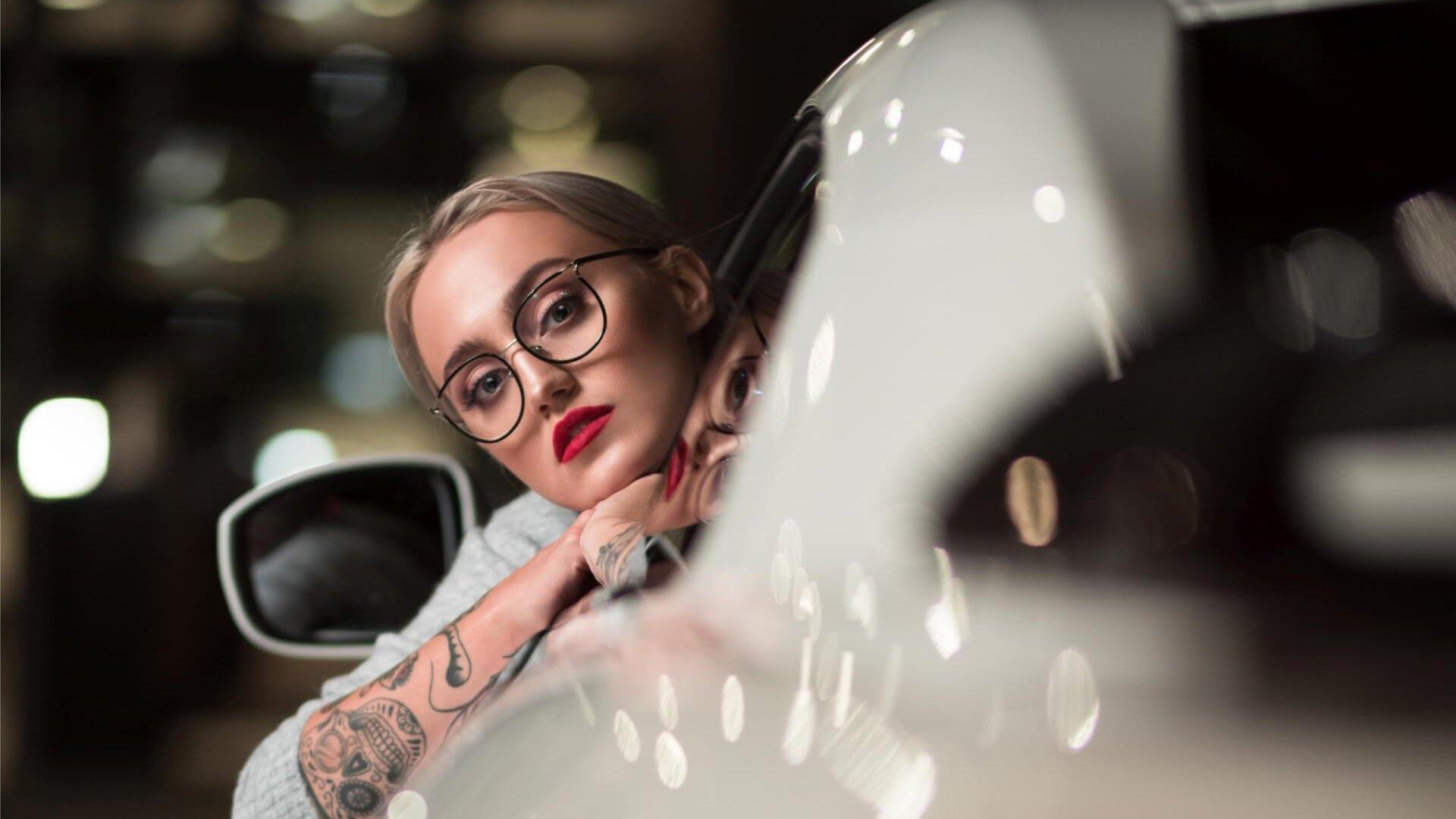 Modelka podczas sesji zdjęciowej w Bielany Business Point