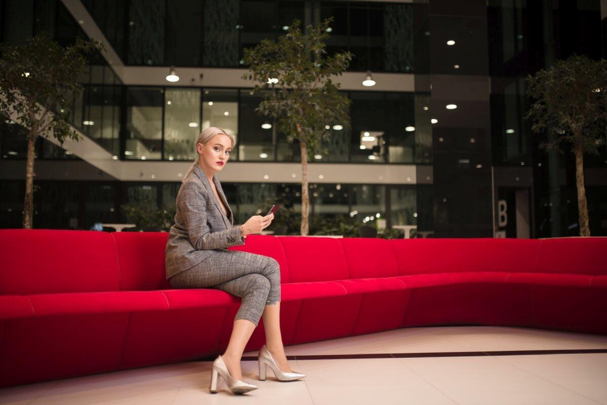 Fotografia reklamowa dla Bielany Business Point w stylizacji biznesowej
