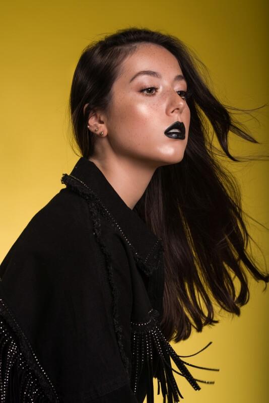 Agata Socha w czarnej wiosennej stylizacji